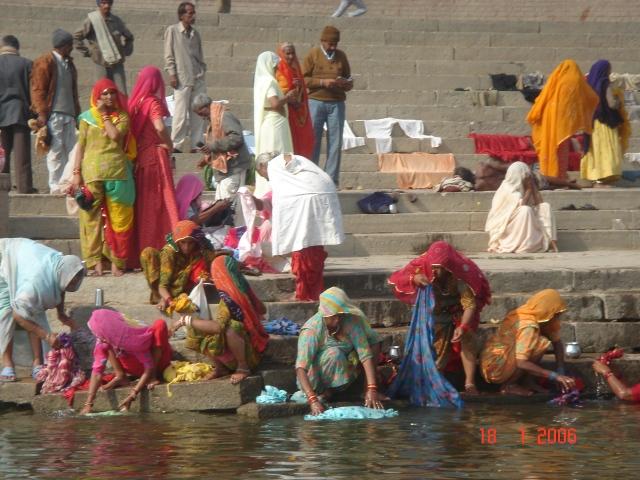 India 463