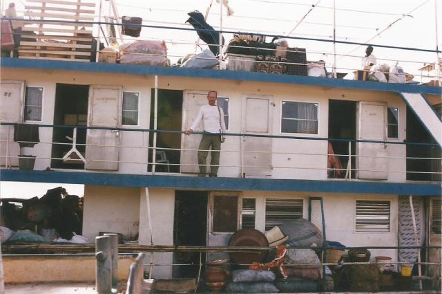 Mali. rio Niger barco