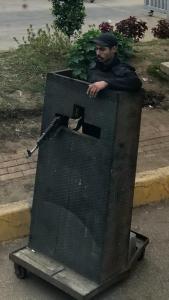 egipto, policía en garita