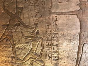 egipto, ramses ii castigando