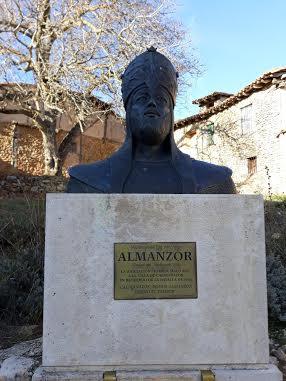 busto de Almanzor en Medinaceli